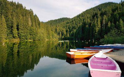 Descente de l'Ardèche en canoë lors des vacances en camping